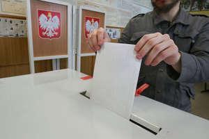 Wybory do Parlamentu Europejskiego: pijany przewodniczący w komisji w Olsztynie[ZDJĘCIA, AKTUALIZACJA]