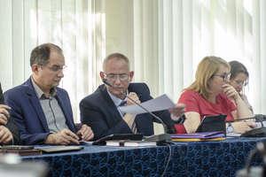 LUBAWA|| Radni udzielili burmistrzowi wotum zaufania i absolutorium