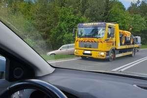 Wypadek na trasie Ostróda -Olsztyn. Samochody w rowie