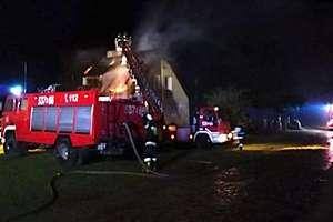 Po pożarze domu potrzebny jest nowy dach