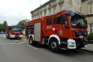 Mieszkanie w ogniu, akcja strażaków [AKTUALIZACJA] [ZDJĘCIA]