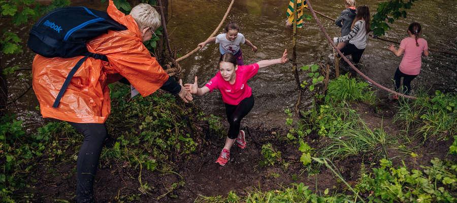 Pomocna dłoń na zawodach Cross Run Race w Kamieńcu