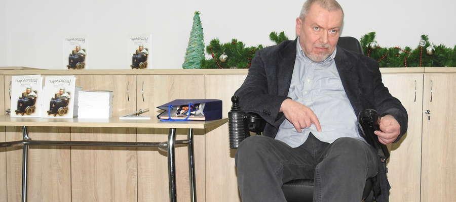 Pan Mirosław potrzebuje nowego wózka inwalidzkiego