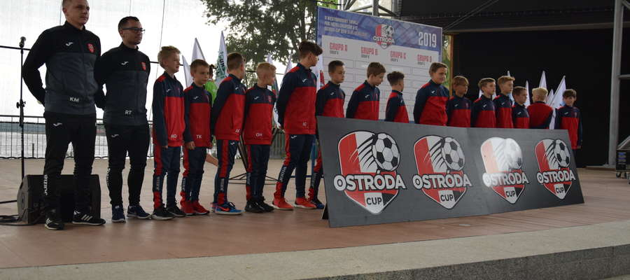 Oficjalne otwarcie turnieju i prezentacja drużyn odbyło się w ostródzkim amfiteatrze