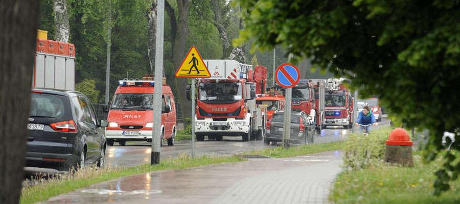 Dzień Strażaka w Pasłęku - przejazd kolumny