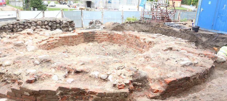 Dawna baszta została rozebrana w I poł. XVIII wieku