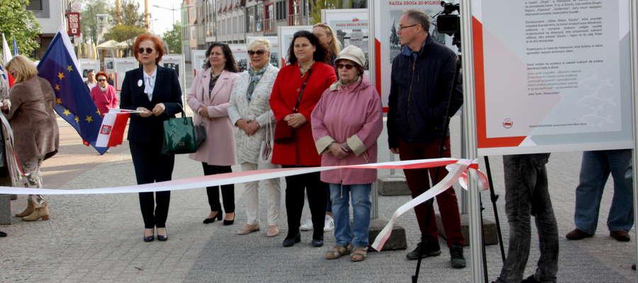Uroczyste otwarcie wystawy na Pasażu Portowym