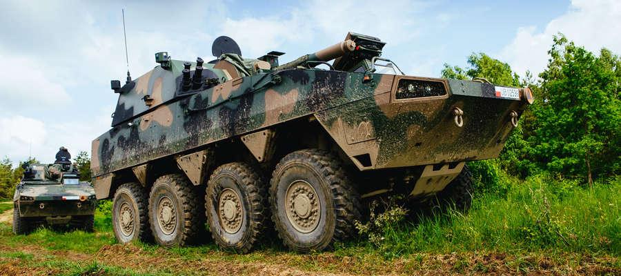 Samobieżny Moździerz Kołowy RAK jest owocem pracy polskiego przemysłu zbrojeniowego. To dowód na to, że w przyszłościowe technologie trzeba i warto inwestować!