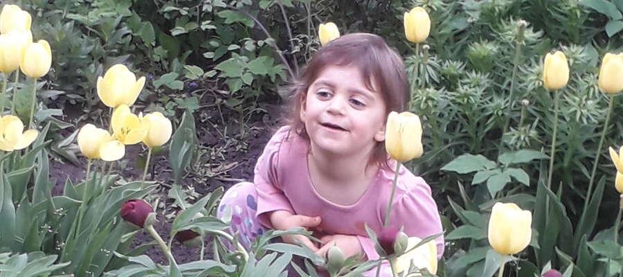 Oliwia Knap, 3 lata, Kosy, gm. Bartoszyce. SMS o treści GB.MKA.12 na numer 7248 (Koszt 2,46 zł z VAT za SMS)