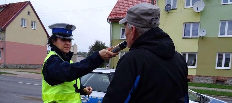 Policjanci sprawdzali m.in. stan trzeźwości rowerzystów