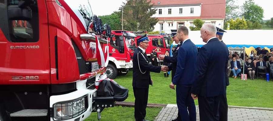 Jednostka OSP Ławice otrzymała nowy wóz bojowy
