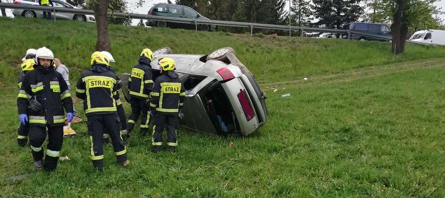 W Skopie 2 maja dachował samochód osobowy