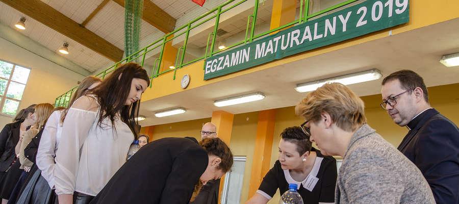 W Zespole Szkół w Lubawie do egzaminu z języka polskiego przystąpiło prawie 170 abslwentów