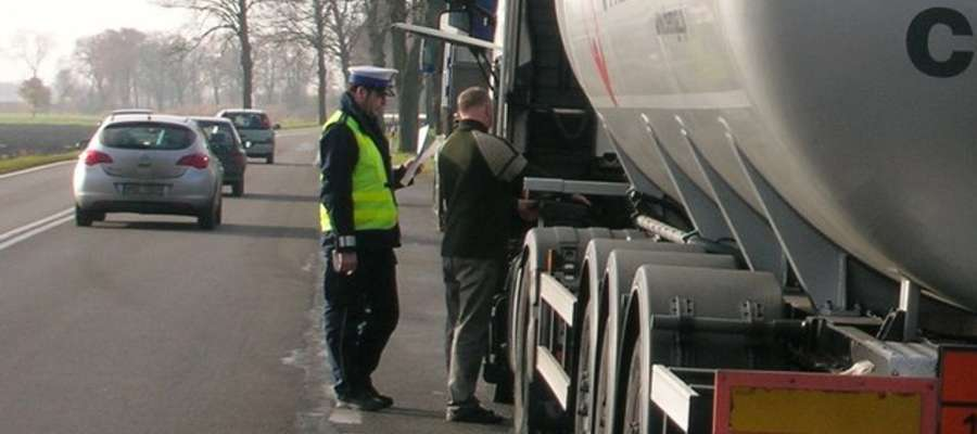 """Dziś na drogach policyjne działania """"Truck i Bus"""""""