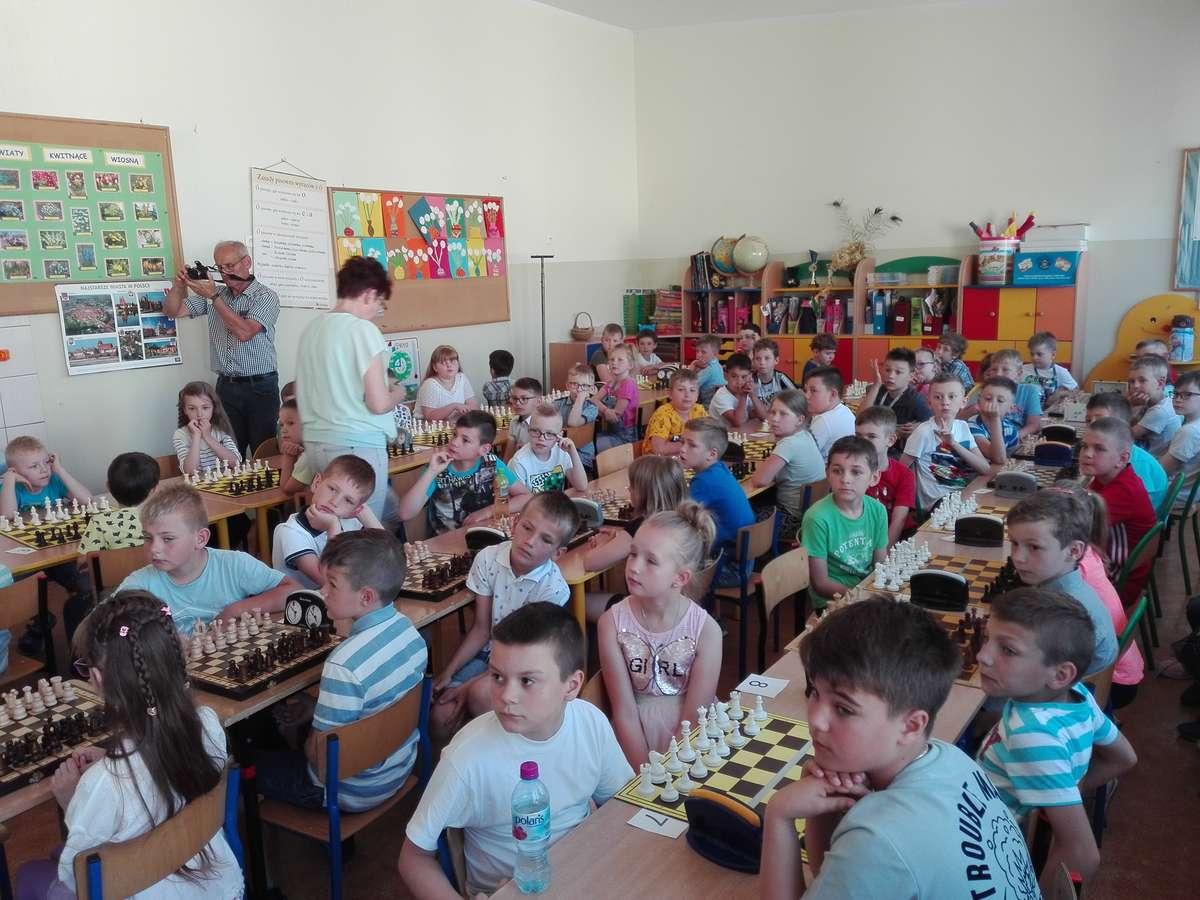 Podczas turnieju w szkole w Kurzętniku