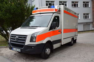Szpital powiatowy w Dobrym Mieście otrzymał nowy ambulans