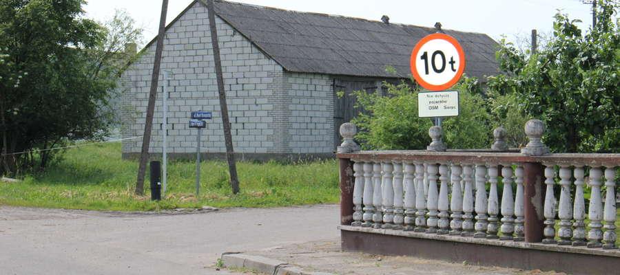 Radni uznali, że zarzut naruszenia prawa przez starostę przy zatwierdzeniu zmiany organizacji ruchu na drodze w Lutocinie jest bezzasadny. Znak zostanie