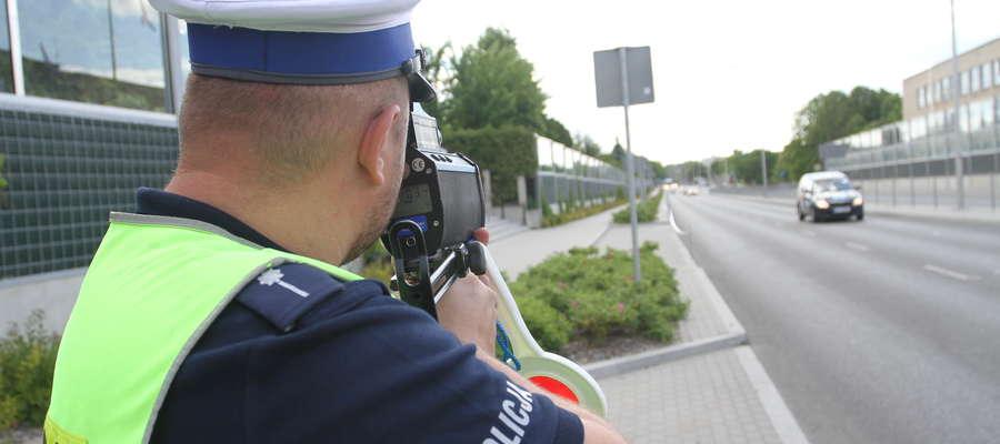 Trzech pijanych kierowców i trzech rażąco naruszających prędkość zatrzymali policjanci na terenie powiatu iławskiego w miniony weekend