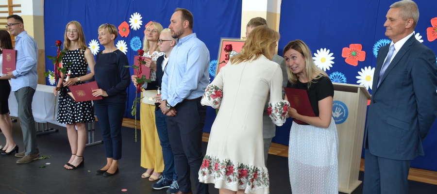 Najlepszych absolwentów szkół podstawowych nagrodził burmistrz Zbigniew Michalak
