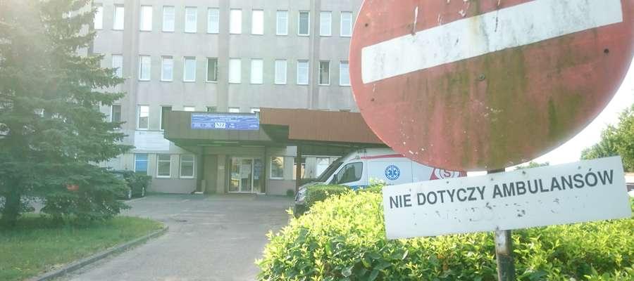 Pacjent zmarł po dwóch godzinach od przyjęcia do szpitala.
