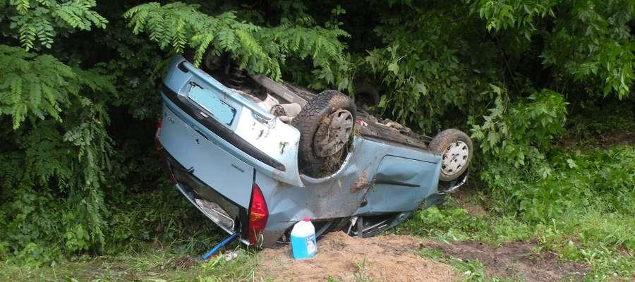 Auto dachowało w Kurzętniku