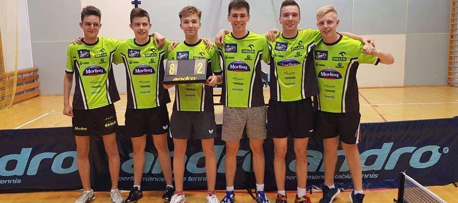 Pierwszoligowcy od lewej: Krystian Kawiak, Szymon Kolasa, Maks Miastowski, Łukasz Sokołowski, Jakub Kuźmicz i Wojciech Chrząszcz