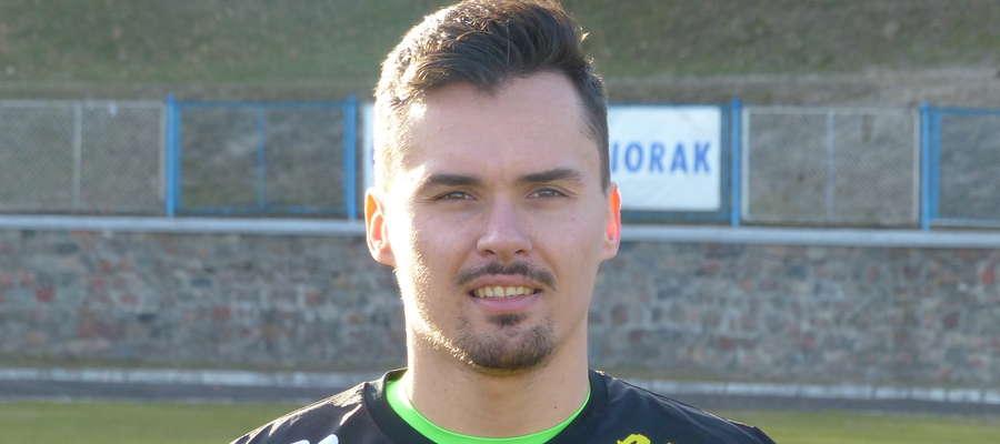Kamil Jędrzejewski to były golkiper GKS-u Wikielec, Startu Działdowo, nowomiejskiej Drwęcy i Unii Susz. Ale bramkarz nie ukrywa, że to Jeziorak od początku był najważniejszym dla niego klubem. I ciągle jest.