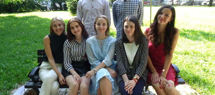 Studenci ze Lwowa w parku na Łyną