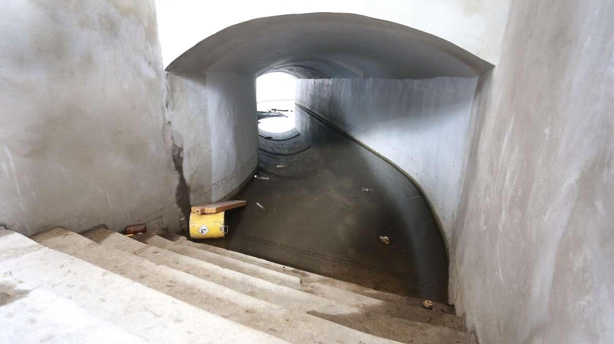 Zalany nowy tunel