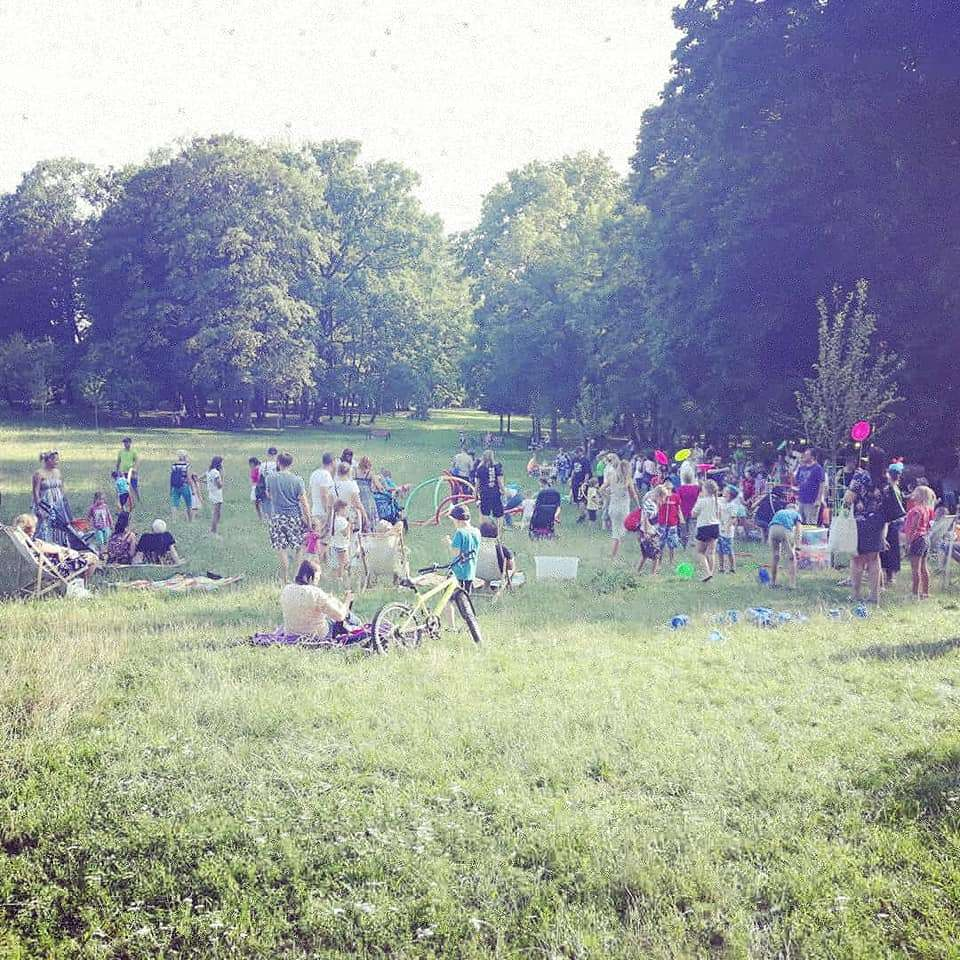Aktywny weekend w Parku Modrzewie - full image