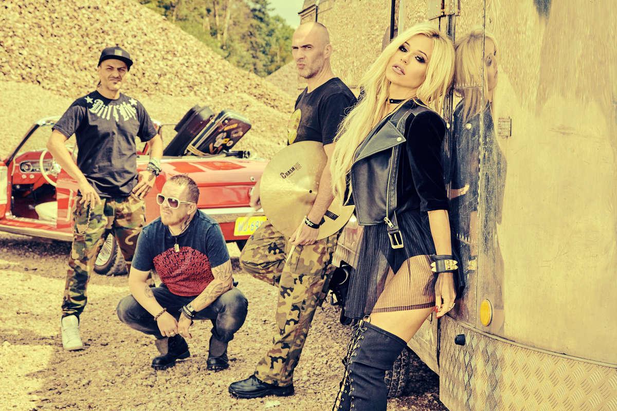 Doda i Virgin na koncercie w Olsztynie - full image