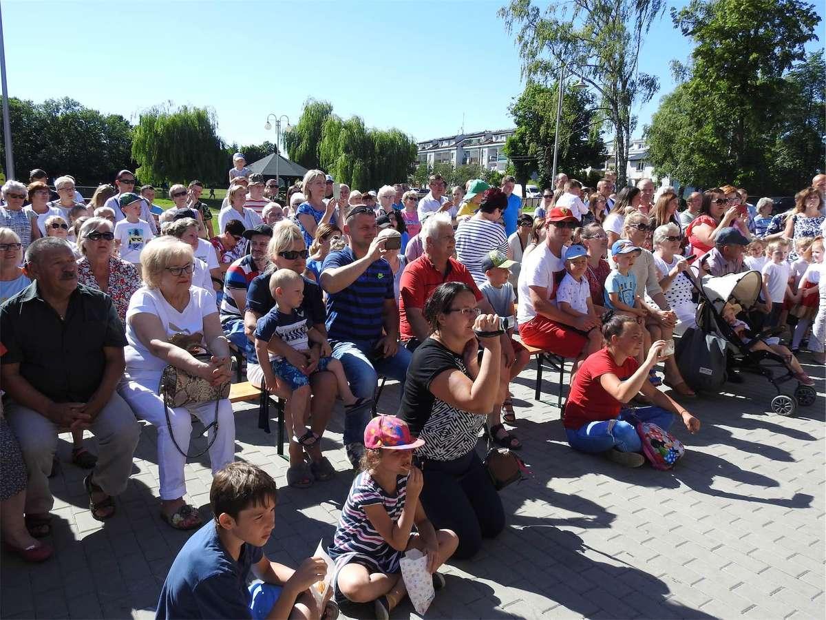 Zapraszamy na Festyn rodzinny nad Jeziorkiem! - full image