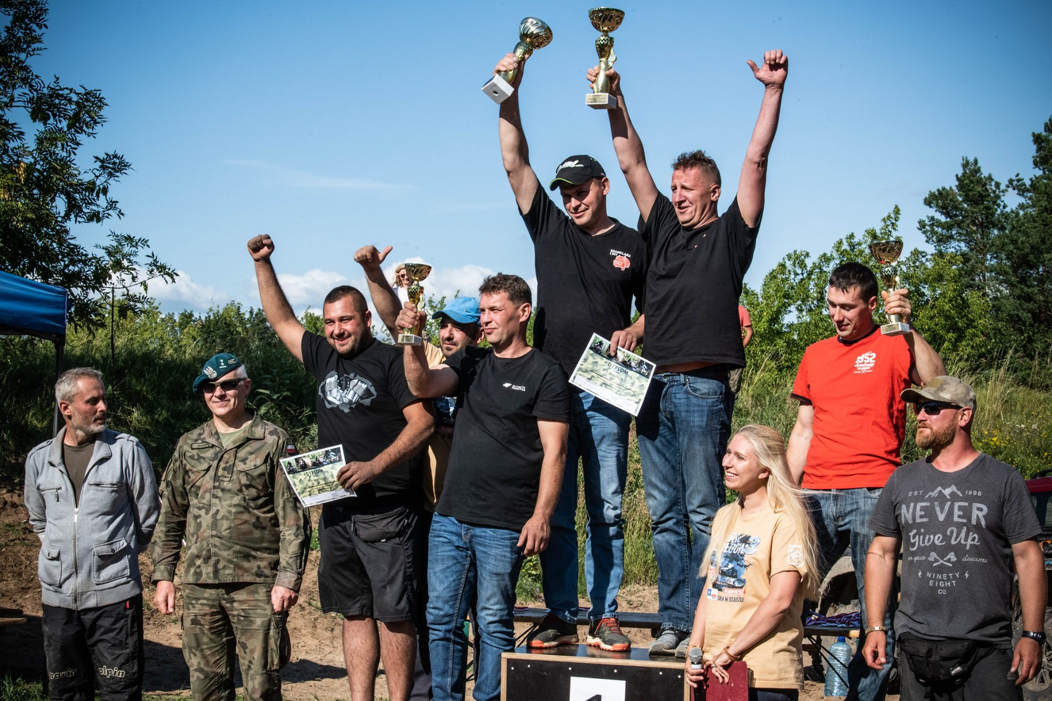 http://m.wm.pl/2019/07/orig/quady-triumfatorzy-564395.jpg