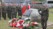 Poświęcił życie by ratować innych. Mieszkańcy gminy Pasłęk pamiętają o bohaterskim pilocie