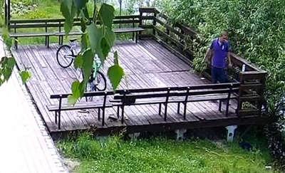 Niszczył rower miejski, a terasz szuka go policja [ZDJĘCIA]