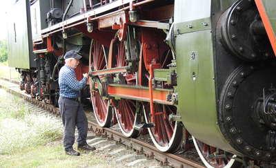 Zabytkowy pociąg z parowozem był dziś w Bartoszycach [FILMY, ZDJĘCIA]