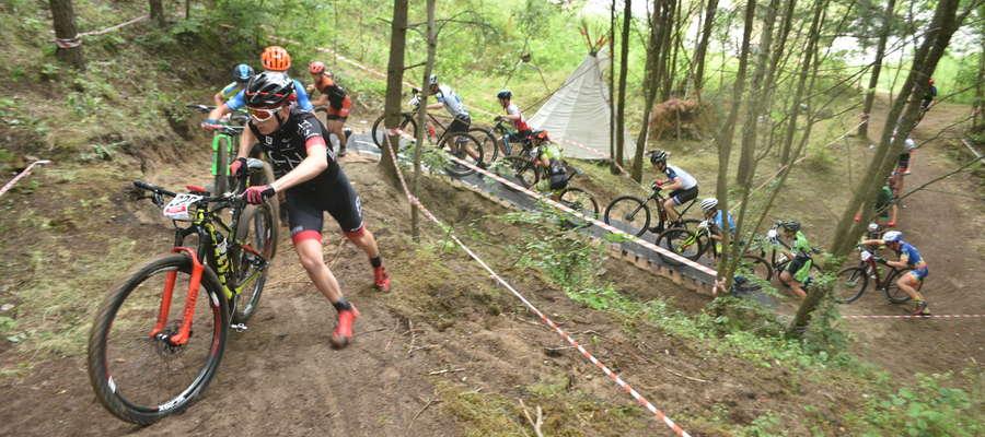 Na brak atrakcji na trasie w Mrągowie uczestnicy mistrzostw Polski w kolarstwie górskim raczej nie mogli narzekać