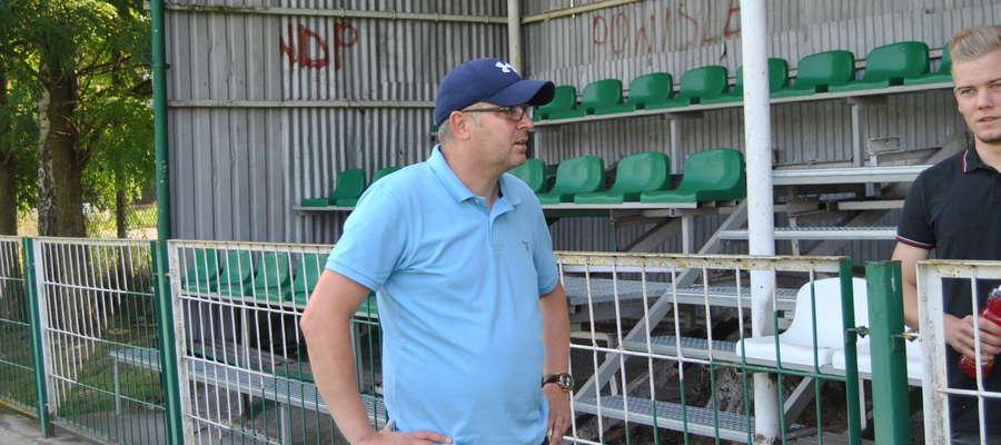 Trener Wojciech Tarnowski (GKS Wikielec) w sobotę odwiedził dobrze sobie znane kąty. Przez 1,5 sezonu prowadził Powiśle Dzierzgoń