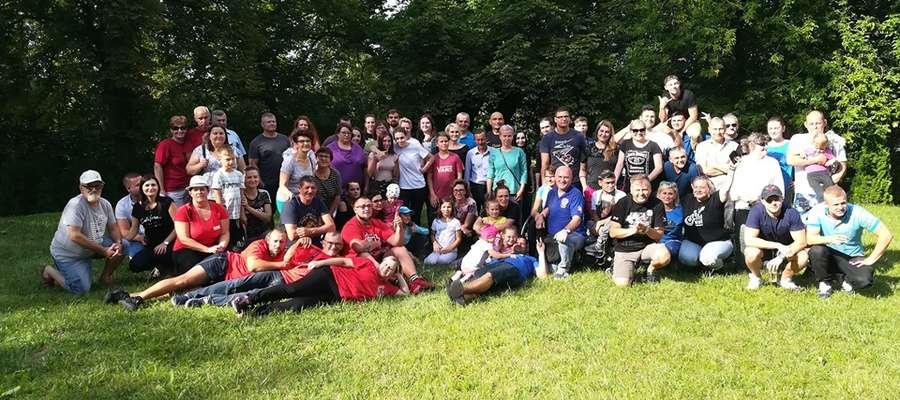 W sobotnie popołudnie, 13 lipca na piknik do Sątoczna, którego pomyślodawcą był m.in. Marcin Bancerz z Mikołajek przybyło prawie 100 osób z całego województwa