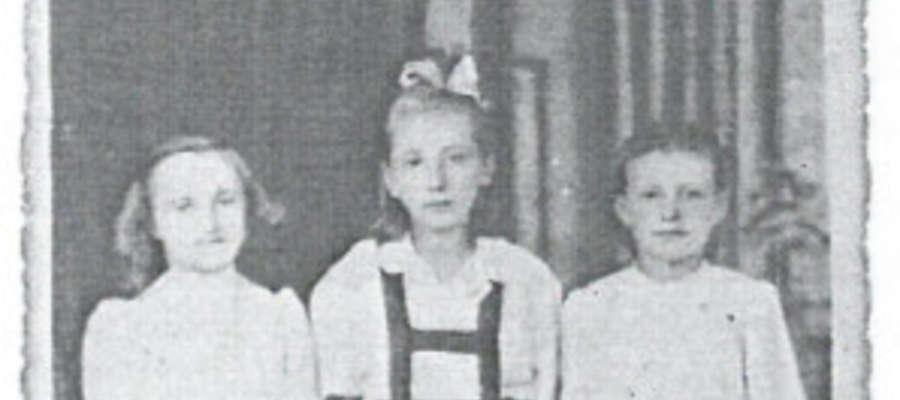 Najstarsze zdjęcie Genowefy Cebeniak. Bohaterka artykułu i wspomnień po lewej stronie, z krótko obciętymi włosami po tyfusie
