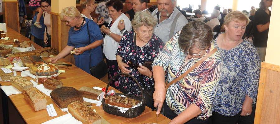 Degustacja konkursowych chlebów