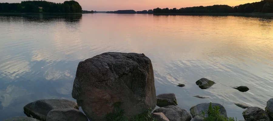 Zachód słońca nad Jeziorem Skarlińskim