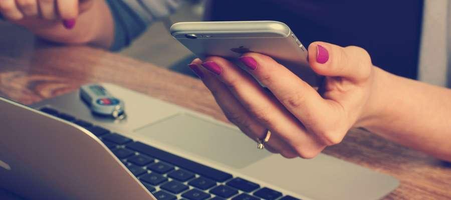 Teraz cyberprzestępcy wysyłają sms-y, podszywając się pod komorników