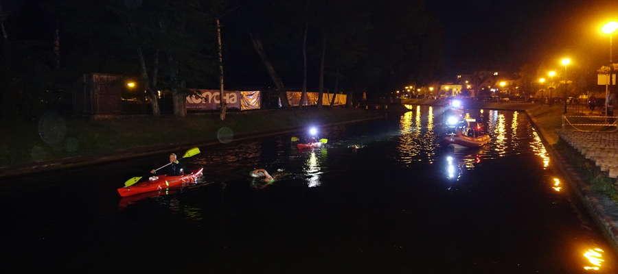Wczoraj po godzinie 23 pływacy wpłynęli do Kanału Łuczańskiego