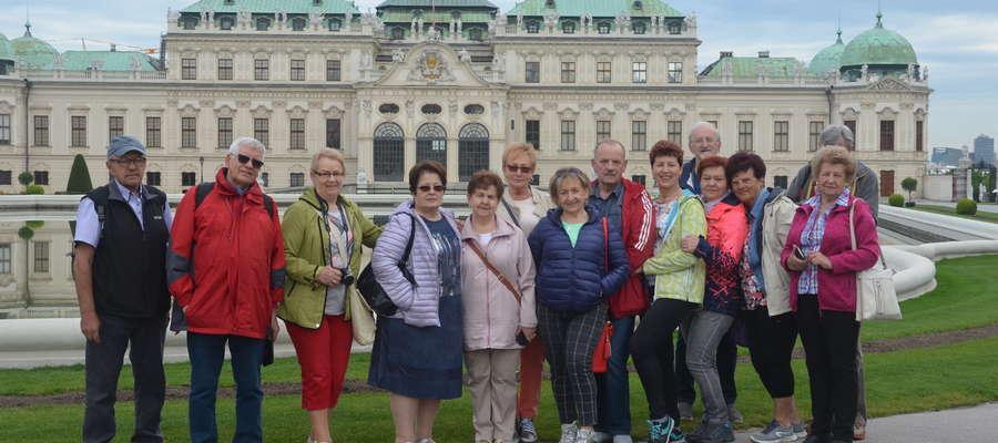 Przedstawiciele różnych delegacji (wraz z nowomiejską) podczas zwiedzania Wiednia