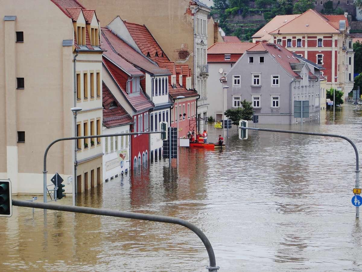 Powódź w mieszkaniu - full image