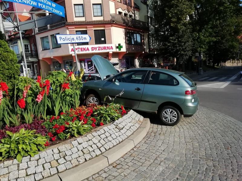 http://m.wm.pl/2019/08/orig/0000028276-20190805-wypadek-4-568330.jpg