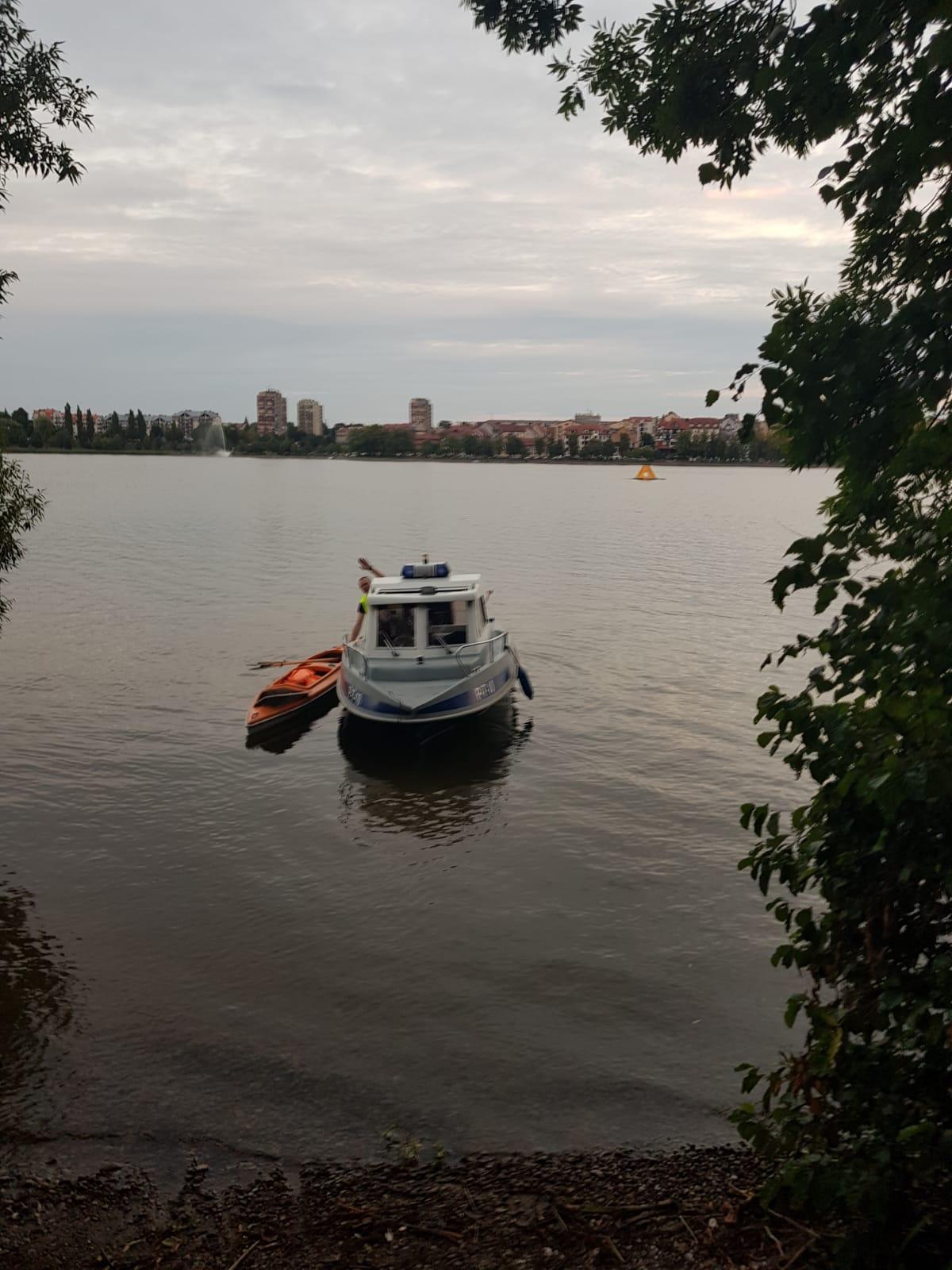 http://m.wm.pl/2019/08/orig/1-poszukiwania-na-jeziorze-elckim-571200.jpg