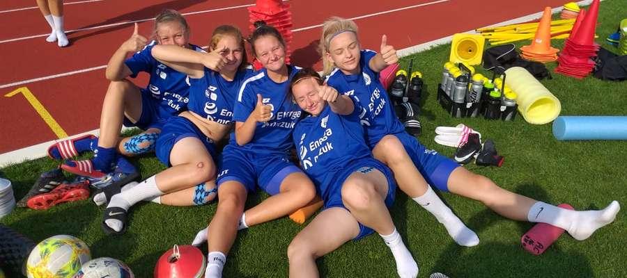 W Akademii Sportu Stomil Olsztyn trenują i grają także dziewczęta, których sportową wizytówką jest drugoligowy zespół.