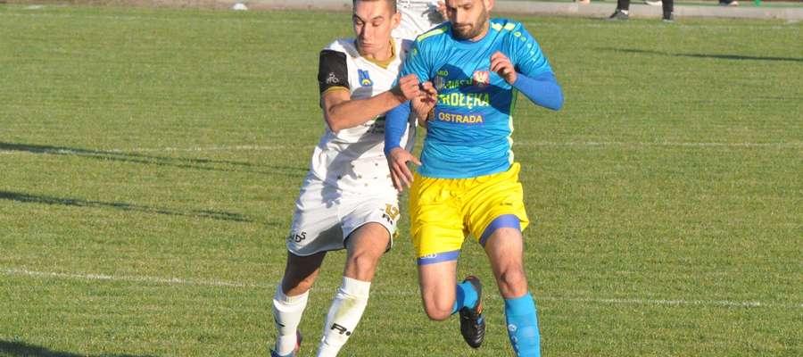 Bartosz Narewski (z lewej) należy do bardzo walecznych graczy fot. mo